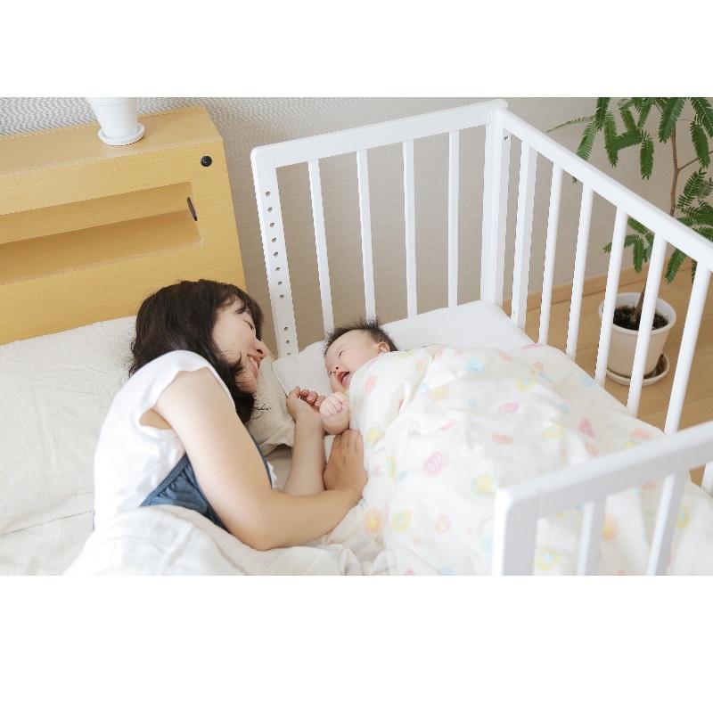 Yamatoya Soinel Bedside Baby Cot + Free Mattress + Bedding Set!!