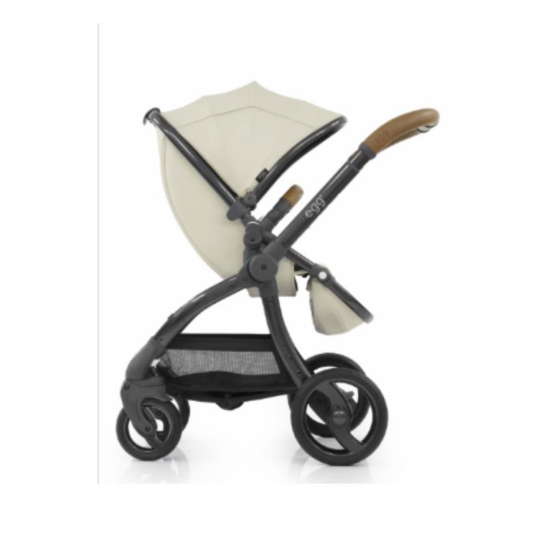 Egg Stroller (Babystyle) + FREE HYBRID SWIVEL STROLLER WORTH $349